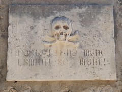 Bol graveyard sign (20denier) Tags: graveyard skull croatia bol crossbones bra