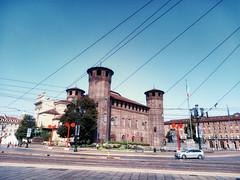 Piazza Castello - Torino (Alessandro Tamburro) Tags: torino piemonte italia castello piazzacastello magic wiko wikofever magiabianca esoterica esoterismo castle