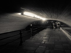 (photo.po) Tags: availablelight nightphotography tunnel lights couples people romantic riverwalk flickrclubsa tx