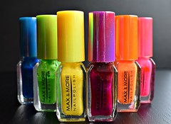 Some colours of the rainbow ... in a row! (Maria Godfrida) Tags: macromondays macro inarow nailpolish colours colors colourful makeup 7dwf letters words