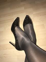 IMG_4265 (pantyhosestrumpfhose) Tags: pantyhose strumpfhose collant nylonlegs tights pumps shoe shoes schuhe beine bestrumpftebeine legs pantyhoselegs pantyhosefeet