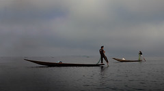 8002 Inthar fishermen--Inle Lake , Myanmar (ngchongkin) Tags: boats fisherman myanmar inlelake nationalgeographic frameit legrowers vivalavida flickrgoldaward flickrbronzeaward flickrsilveraward heartawards platinumheartaward earthasia thebestofday gnneniyisi thebestshot spiritofphotography worldheart artofimages angelawards bestpeopleschoice wonderfulasia lamiasonata administrationexquisite tgiaward