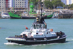 SD Bountiful, Portsmouth Harbur, July 22nd 2014 (Southsea_Matt) Tags: tugboat portsmouthharbour serco sdbountiful