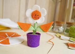 E minhas ptalas? Super tendncia! Hihihi (BoniFrati) Tags: cute diy craft felt feltro coaster tutorial pap molde bonifrati portacopos