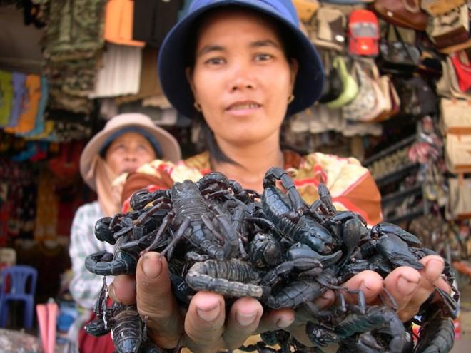 Chợ bán bò cạp ở An Giang