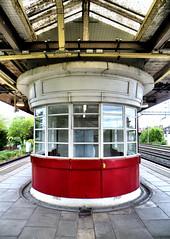 South Kenton (R~P~M) Tags: uk greatbritain england london station train unitedkingdom railway londonunderground waitingroom southkenton