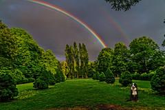 take a break for the doble rainbow (von Renate Bomm) Tags: dog weather rainbow cologne hund rainy regen regenbogen wetter doble 2016 366 farbverlauf spektralfarben nebenregenbogen flickrunitedaward hauptregenbogen interferenzstreifen renatebomm