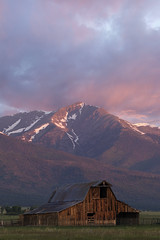 Mountain Barn (Aaron Spong Fine Art) Tags: sunset mountain mountains barn sunrise de colorado cristo range sangre westcliffe