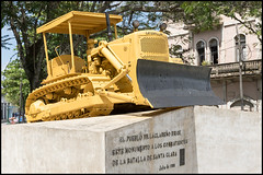 Tren Blindado (John R Chandler) Tags: wagon military cuba places weapon santaclara railways bulldozer derailment motorvehicles caterpillard6 trenblindadomonument