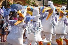 Mickey's Storybook Express (EverythingDisney) Tags: seagulls dancers shanghai disney parade performers findingnemo mse shanghaidisneyland mickeysstorybookexpress