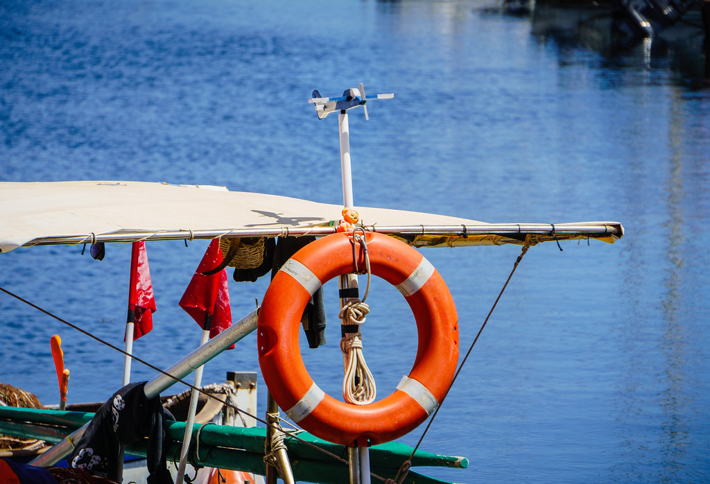 The world 39 s best photos of portoscuso and sea flickr for Circle fishing boat