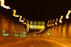 10-04-25 dyn tun b236 lich 9 dsc02003-hd (u ki11) Tags: b236 dynamik flucht kurve licht lichterkette schild tunnel twunscharf