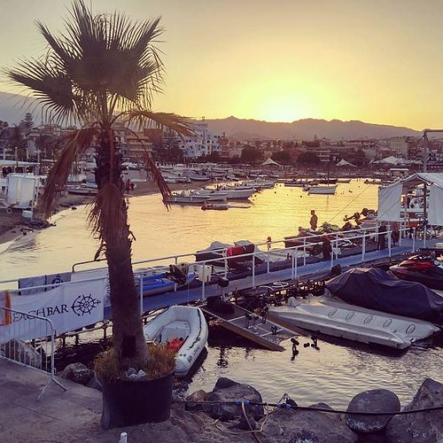 Tramonto Siciliano #sicily #tramonto #sun #summer2016 #younique #handmade #madeinitaly #accessori #personalizzati #bellezzeitaliane #instagood #instagramers #TagsForLikes #picoftheday #picture #palm #beach #sea #followme #lfl