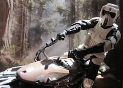 Zooom!! (Worfles) Tags: starwars returnofthejedi endor bikerscout scouttrooper actionfigures actionfigurephotography hasbro theblackseries starwarstheblackseries