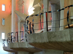 Holy fence (Shahrazad26) Tags: sagradafamilia barcelona gaudi architectuur architecture modernismo balkons balconies interior interieur kerkinterieur spanje spain spanien espagna espagne catalunya hek fence barrire