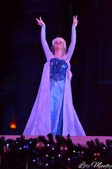 A Frozen Holiday Wish (disneylori) Tags: christmas frozen disney disneyworld characters wdw waltdisneyworld elsa magickingdom disneycharacters frozencharacters frozenholidaywish facecharacteers