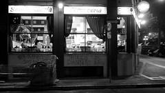 Colonia y Rondeau (parnaso.oriental) Tags: bar uruguay montevideo