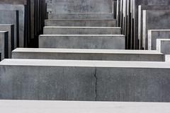 Libri di morte. (Pompilio Valerio) Tags: juden berlin berlino denkmal ebrei geometria geometry germania germany holocaust jews monument monumento olocausto