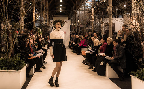 SONIA REYNOLDS PRESENTS HER SELECTION OF THE BEST OF IRISH FASHION- REF-101388