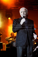 Charles Aznavour (checchetto_cristina) Tags: music live jazz pop cabaret venezia francia chanson franksinatra francese cantautore armeno charlesaznavour pizzasanmarco 10072010 cantautorefrancese chahnourhvarinagaznavourian charlesaznavoice