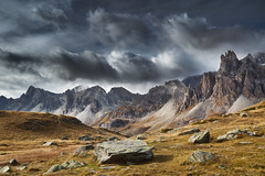Middle earth. (Aurlien BERNARD) Tags: cloud mountain alps fall colors montagne alpes automne canon landscape