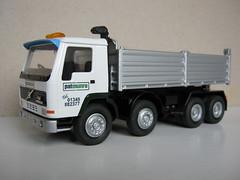 Volvo FL12 Tipper - Pat Munro, Alness - Model (oldbagpuss2) Tags: patmunro patmunroalness alness volvo volvofl12 tipper modeltruck modeltipper 150 conrad classicroadtransportmodels t661kkj