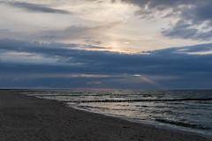 TH20160503A607997 (fotografie-heinrich) Tags: strand sonnenuntergang himmel ostsee wellen zingst buhnen stdteortschaften