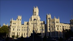 Congratulations Real Madrid Club de Fútbol [Plaza de Cibeles], Madrid (Francisco Aragão) Tags: madrid sunset urban españa architecture cores square espanha europa europe monumento picture dia structure fountains fotografia fontana fachada fonte brilliant icone fotografo predio fimdetarde palaciodecomunicaciones madri estrutura plazadecibeles ceuazul edficio pontoturistico continenteeuropeu atraçãoturistica realmadridclubdefutbol canon5dmkii franciscoaragão capitaldaespanha canonlens1635mm projetotempo championsleague2016 yuioasdfg