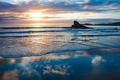 bombas-0070 (iedafunari) Tags: santa praia brasil mar barco gaivotas catarina amanhecer bombas canoa bombinhas