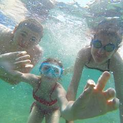 L'#elba  l'isola dei bambini come testimonia questo simpatico scatto di @aletoldo75. Continuate a taggare le vostre foto con #isoladelbaapp il tag delle vostre #vacanze all'#isoladelba. (isoladelbaapp) Tags: rio marina elba porto di campo azzurro portoferraio marciana isoladelba capoliveri visitelba
