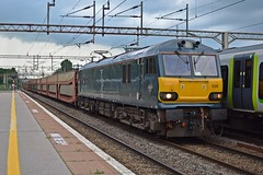 17-06-16 Caledonian 92038 - 6L48 Garston - Dagenham (Lukas66538) Tags: northampton empty rail class gb 92 freight sleeper caledonian dagenham garston railfreight gbrf 92038 cartics 6l48