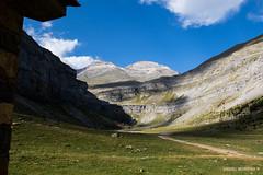 The hut (Daniel Moreira) Tags: circo de soaso parque nacional ordesa e monte perdido mountains montanhas trees rvores sky cu clouds hike caminhada trail trilho spain espaa espanha pyrenees pyrnes pirineus pirineos