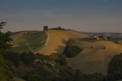 P9030388 2048 (Dirk Buse) Tags: acquavivapicena marche italien ita italia italy marken landschaft landscape nachmittag schatten sonnenuntergang olympus omd em1 zuiko mft 43 m43 stimmung licht atmosphre