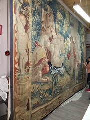 Vista general tapiz suspendido (KRONOS Servicios de Restauracin) Tags: tapices museodeartesdecorativas restauracindetejidos kronos