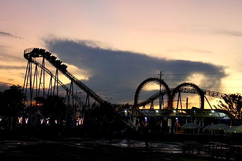 Parque Salitre Mágico (Vagamundos) Tags: parque atardecer bogotá mágico atracciones salitre diversiones