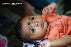 Baby in Kolkata (West Bengal - India) - Bébé à Calcutta (Bengale Occidental - Inde) ( Jean-Yves JUGUET ) Tags: india bébé calcutta inde westbengal bengaleoccidental