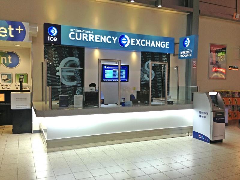 Cambiar-dinero-en-el-aeropuerto-800x600