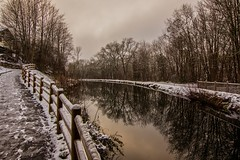 canal d'Epinal (Vins 64) Tags: snow france reflection canal hiver reflet neige lorraine vosges epinal rambarde golbey