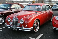 1961 Jaguar Mk.II 3.4 (davocano) Tags: auction brooklands carauction mercedesbenzworld classiccarauction historicsatbrooklands 955byr