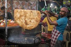 Paraaaaaatha, Mahim Fair, Bandargaah, Mumbai, Maharashtra, India (Humayunn Niaz Ahmed Peerzaada) Tags: street saint zeiss 50mm f14 sony streetphotography carl ahmed manualfocus ze highiso planar niaz carlzeiss dargah sufisaint revered carlzeiss50mm tcarl peerzaada 50mmcarl f14carl makhdoomalimahimi sonya7s carlzeiss50mmf14zeplanartmanualfocuslens nightvisuals sufisaintmakhdoomalimahimi zeisssonysony alphamahimmumbaimaharashtraindiahumayunn peerzaadahumayunn