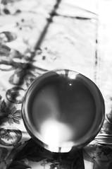 10824 - Sfera (Diego Rosato) Tags: natale bianconero cristallo riflesso sfera
