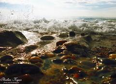 Dalgaların Arasındaki Balıkçı Teknesi... (ibrahim.koyun) Tags: sunset sea sky sun white rock stone turkey ship türkiye samsung antalya galaxy deniz alanya s4 sahil tekne turkei dalga köpük kayalık alaiye kabartı