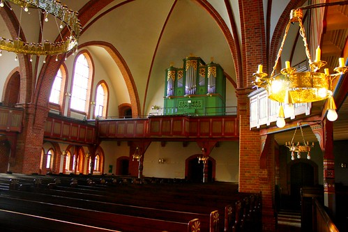 "Lutherkirche Soltau 2015 (12) • <a style=""font-size:0.8em;"" href=""http://www.flickr.com/photos/69570948@N04/16115147258/"" target=""_blank"">Auf Flickr ansehen</a>"