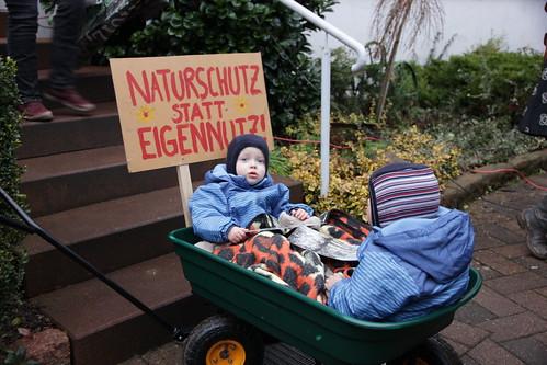 "Demo Rüdigsdorf: Naturschutz statt Eigennutz! • <a style=""font-size:0.8em;"" href=""http://www.flickr.com/photos/109648421@N02/16171350746/"" target=""_blank"">View on Flickr</a>"