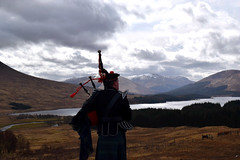 Piper (jenniferlynn.black) Tags: scotland highlands alba pipes scottish piper bagpipes bagpiper