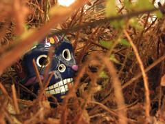 hiding friend (ands91) Tags: adorno motif smile mxico painting dayofthedead skull guatemala peinture guanajuato sorriso sonrisa sourire pintura calavera crne motivo pittura dadelosmuertos crnio cranio jourdesmorts diadosmortos giornodeimorti