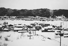 On the Train to Takayama 10 (Jon-F, themachine) Tags: winter blackandwhite bw mountain mountains monochrome japan rural landscape asian landscapes countryside asia country olympus monochromatic  nippon japo grayscale oriental orient fareast   gifu  bnw nihon omd japn 2016  nocolor m43  mft   mirrorless   micro43 microfourthirds  ft xapn jonfu  mirrorlesscamera snapseed   em5ii em5markii  giftken