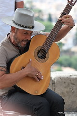 Cantaor (Landahlauts) Tags: district andalucia granada musica quarter andalusia carmen andalusien barrio flamenco andalousie guitarrista albaicin andalusie alandalus cantaor andaluzia aljibe andalusi patrimoniodelahumanidad albayzin andaluzja andaluzio    endulus  arteandaluz albayyzn albayyzn   andalouzia andalusiya fujifilmxpro1 granadaislamica culturadeandalucia  fujifujinonxf55200mmf3548rlmois fujifujinonxf1855mmf284rlmois reinoziri epocaibera granadamusulmana