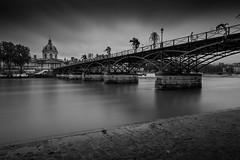 Point des Arts (Simon_RJ_ Walter) Tags: seine bridge pontdesarts bw longexposure france paris