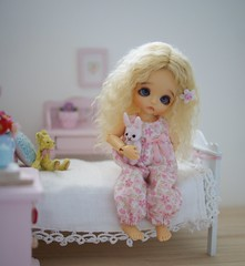 Binky  (Carla Benham) Tags: binky lwsp lati white sp winter tan belle